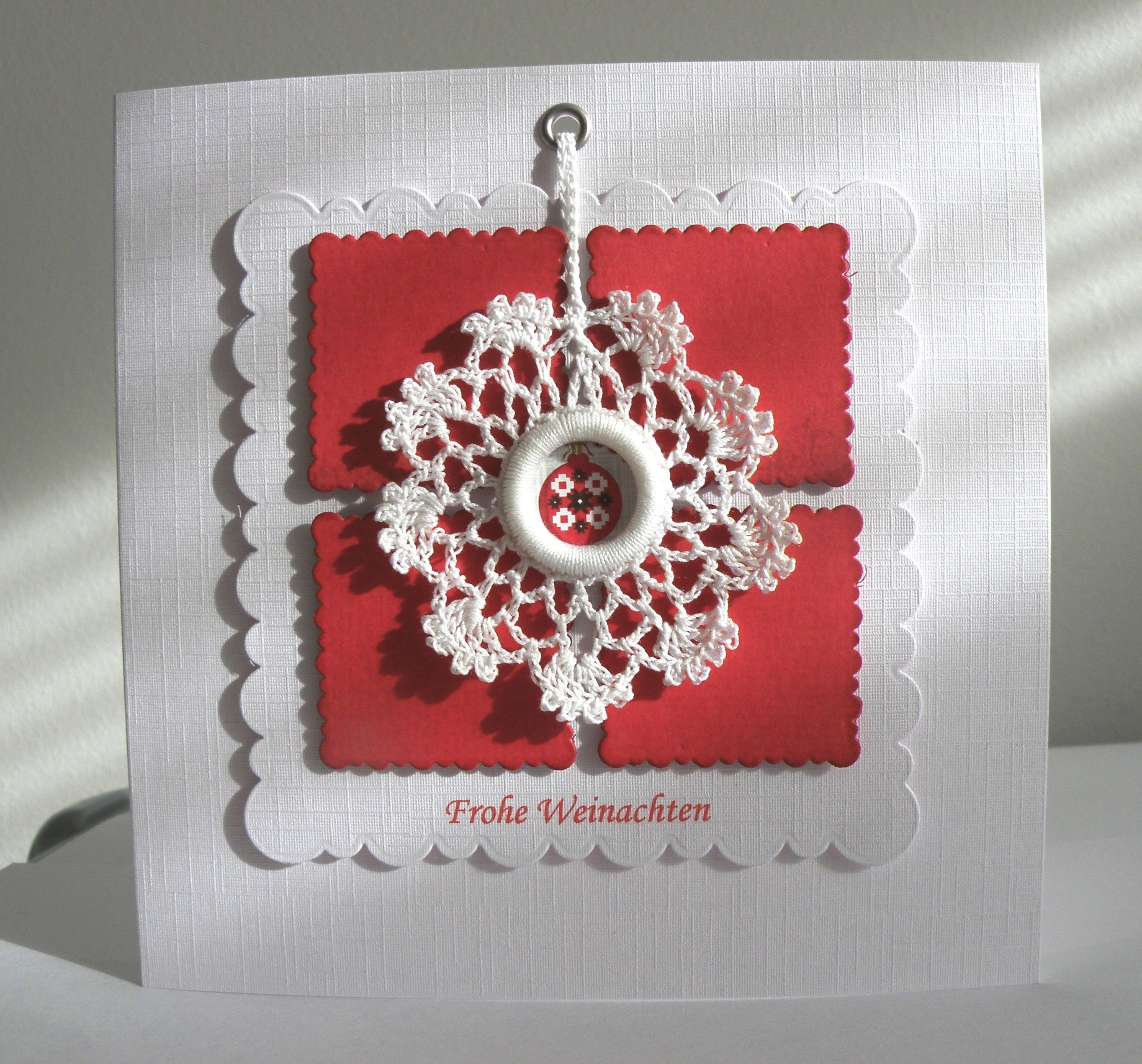 detachable crocheted wreath...a little gift on a Christmas card