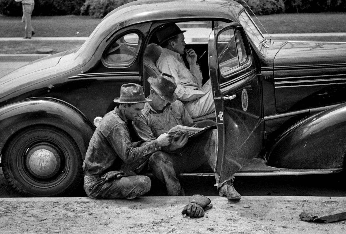 Gritty 1939 photos capture the roughnecks of the east