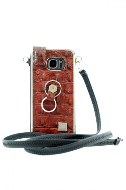 d7c9c78e08e Funda Samsung Galaxy S7 realizada en piel auténtica de bovino grabado de  cocodrilo y aluminio.