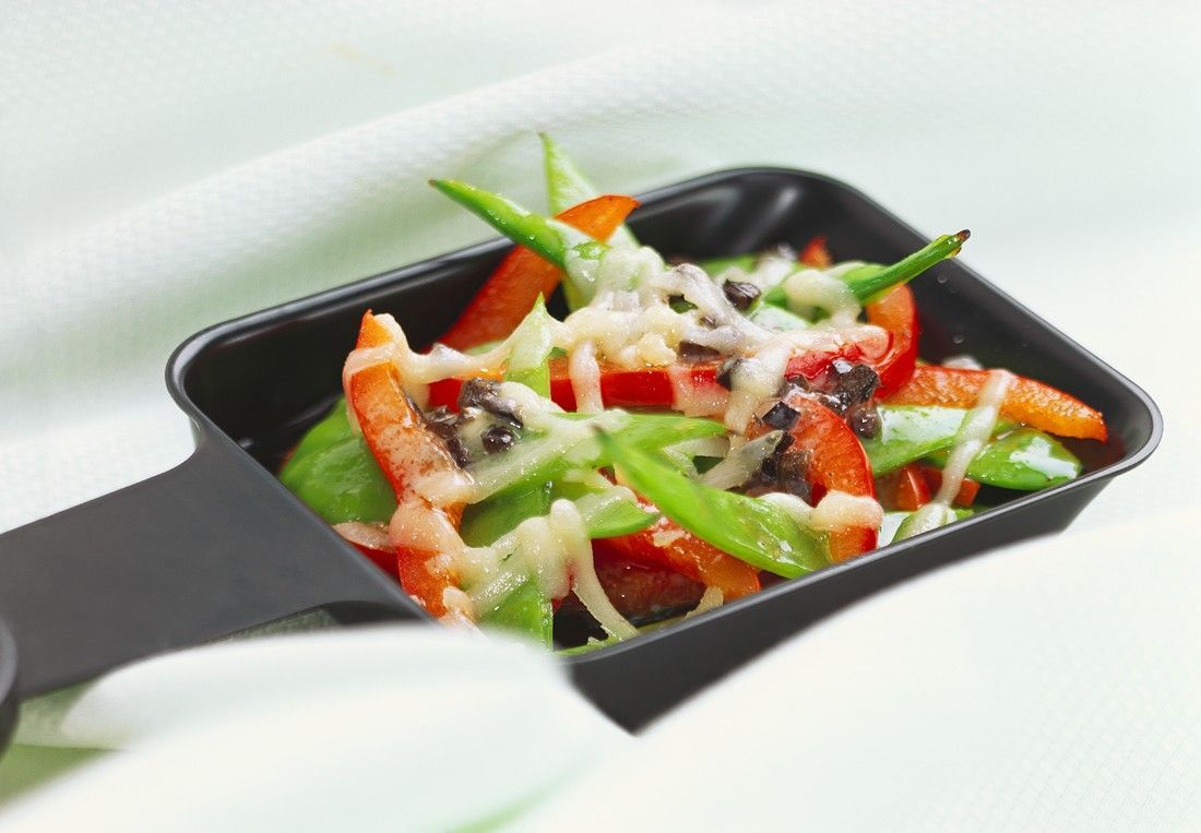 Zuckerschoten-Paprika-Raclette