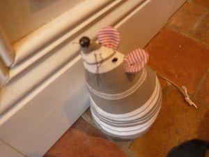 souris cale porte la couture dans tous ses tats pinterest cale porte souris et portes. Black Bedroom Furniture Sets. Home Design Ideas