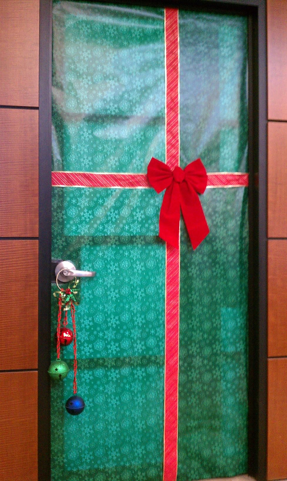 Use Temporary Contact Chalkboard And Draw A Festive Scene Or Saying Like This Door Here Make Your Own Holiday Inspired Doormat