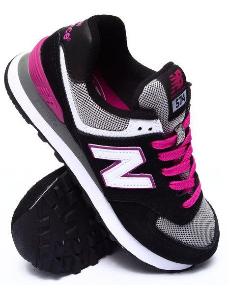 New Balance Womens  Core Plus Fashion Sneaker Rubber