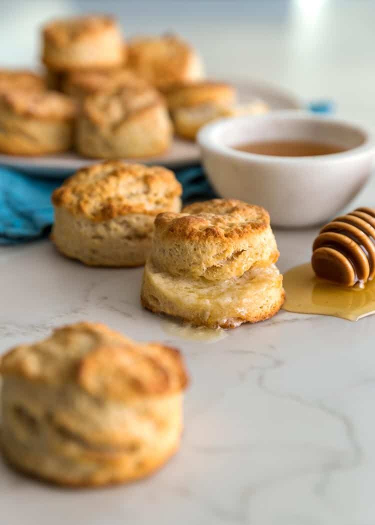 My Southern Buttermilk Biscuits Use Self Rising Flour Shredded Frozen Butter And Buttermilk Laminat Buttermilk Biscuits Southern Buttermilk Biscuits Biscuits