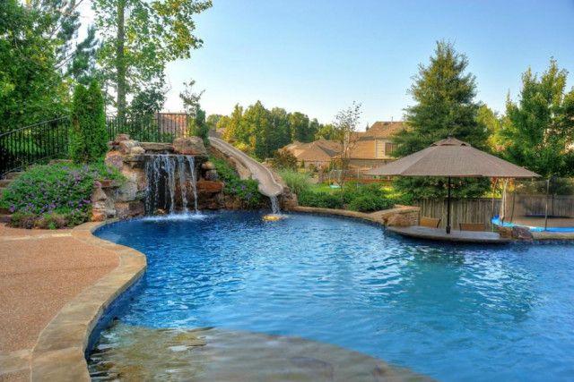 12 Amazing Pools With Swim Up Bars Swim Up Bar Pool Backyard Pool Designs