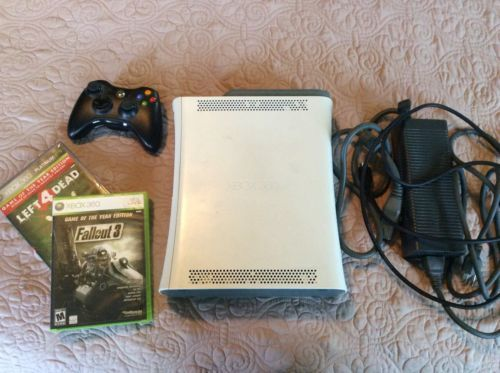 XBOX 360 60GB HDD Bundle WORKS GREAT!  Console Controller Games Power cord https://t.co/V19kHlfqmK https://t.co/ck9xyJYB8S