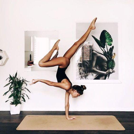 """Photo of """"Yoga bedeutet, dem Körper Energie, Kraft und Schönheit hinzuzufügen, … – Taxim"""