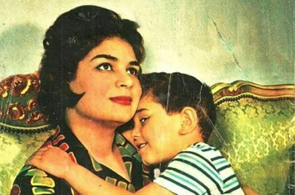 معتز الدمرداش مع والدته كريمة مختار Egyptian Movies Arab Celebrities Old Pictures