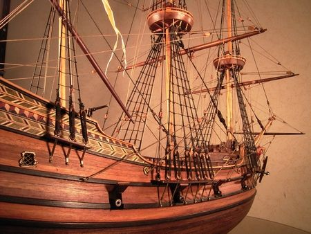 ハーフムーン(Half Moon) 帆船模型