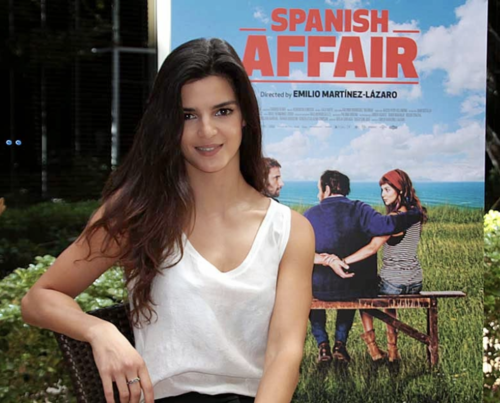 Clara Lago Became Spain S Sweetheart Thanks To Her Movie Ocho Apellidos Vascos Latino Actors She Movie Actors