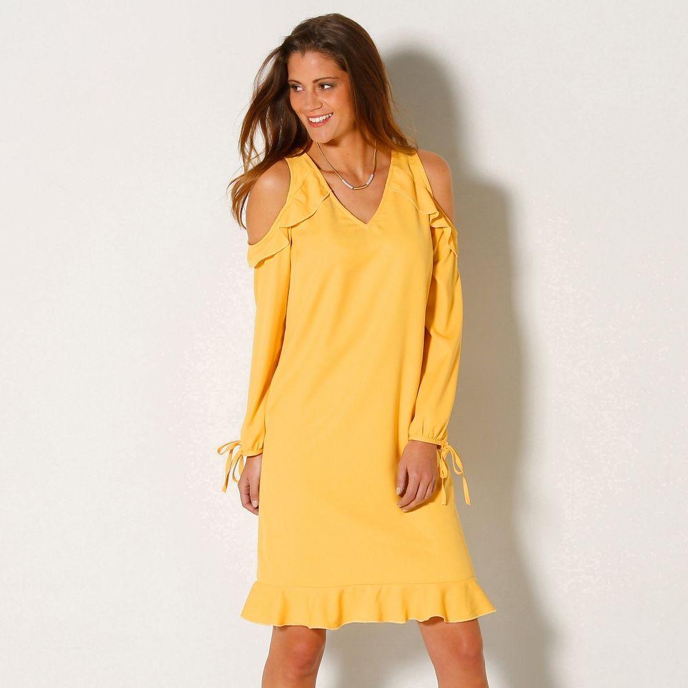 On ensoleille son dressing avec cette robe épaules dégagées. Collection  Blancheporte Mode.