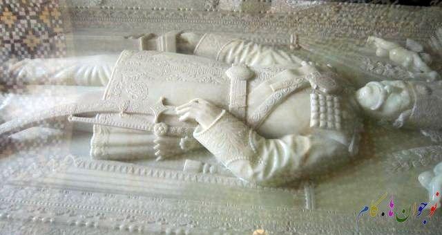 سنگ قبر ناصرالدین شاه Leather Glove Leather Gloves