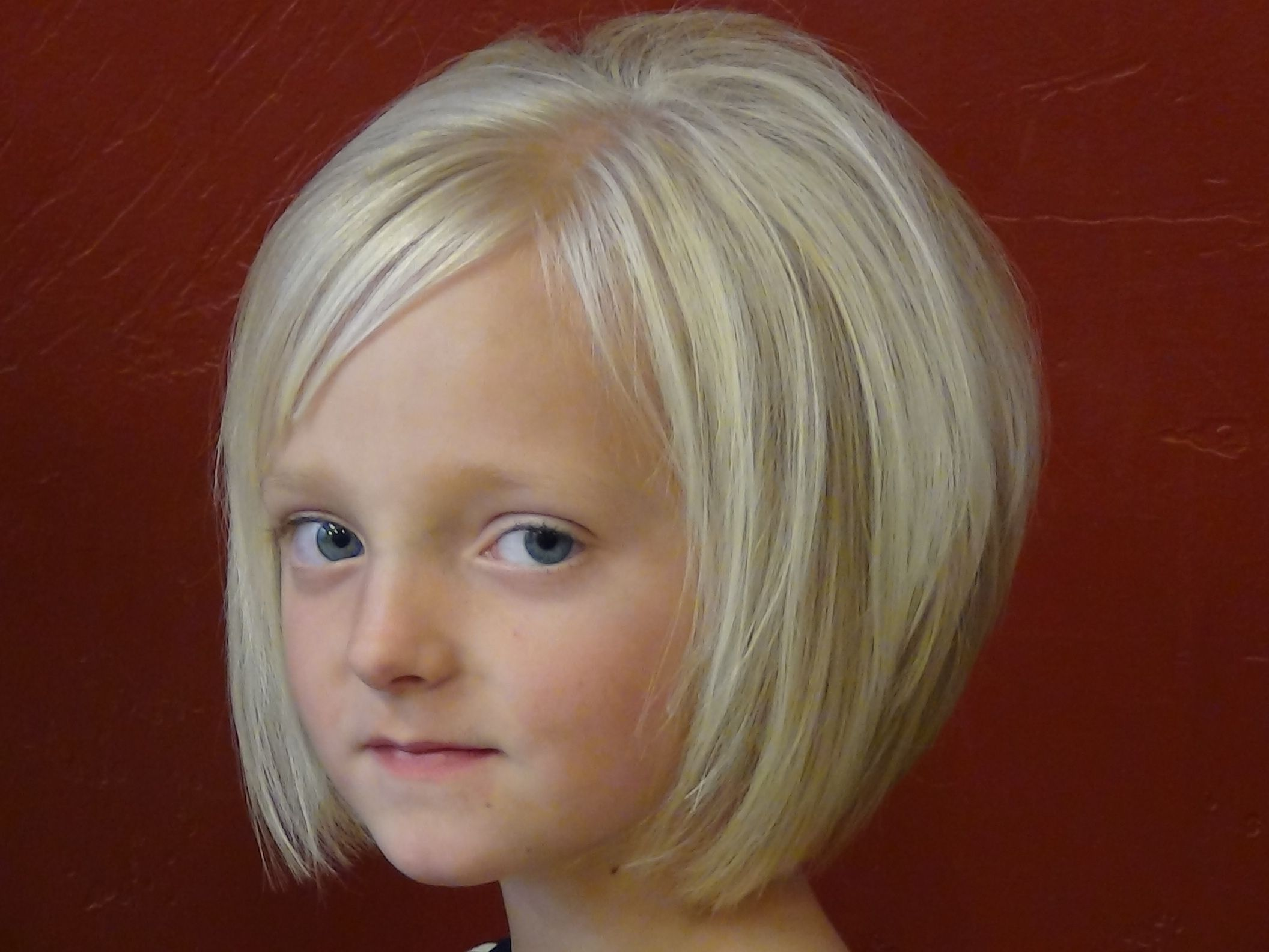 Meches Bambini ~ Little girls haircuts pictures. i wish em would let me cut her