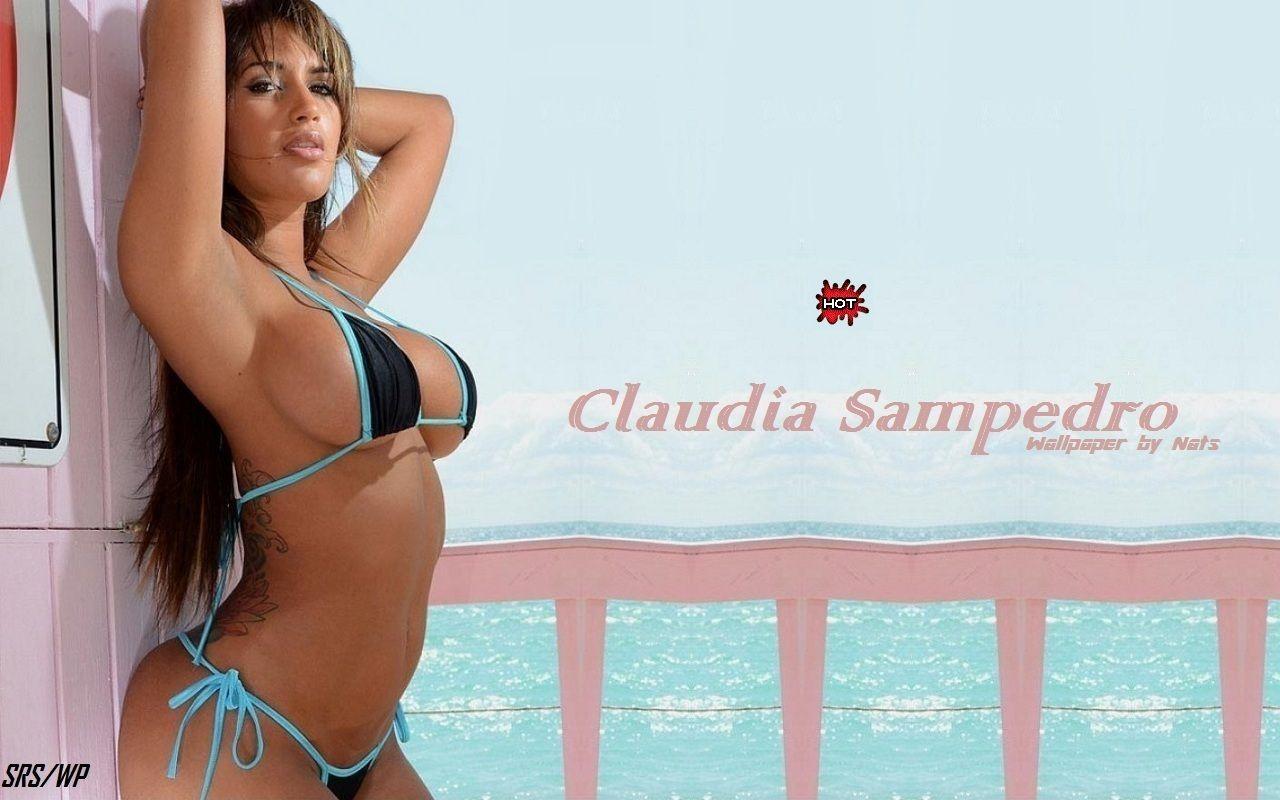 Cclaudia bikini pics sexy