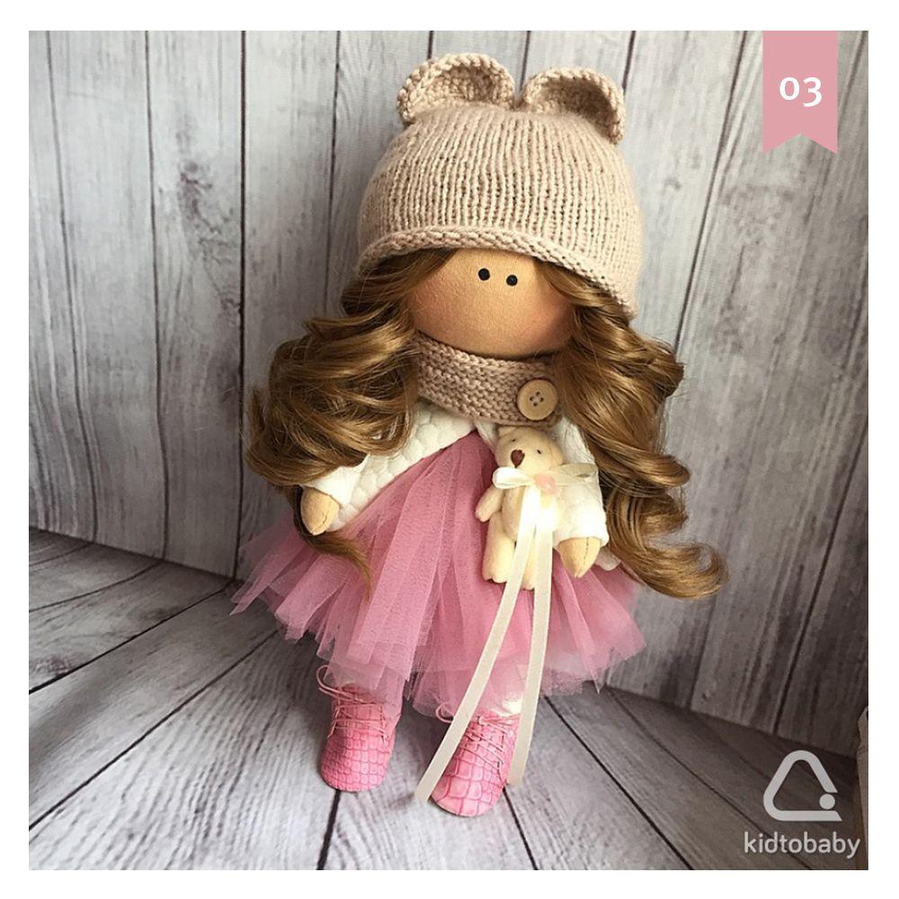 Сегодня в рамках #kidtobaby_адвент расскажем об интерьерных куклах, которые изготавливаются в Иркутске, но могут быть отправлены в любой город. Куклы изготавливаются вручную и могут быть выполнены по индивидуальному заказу.