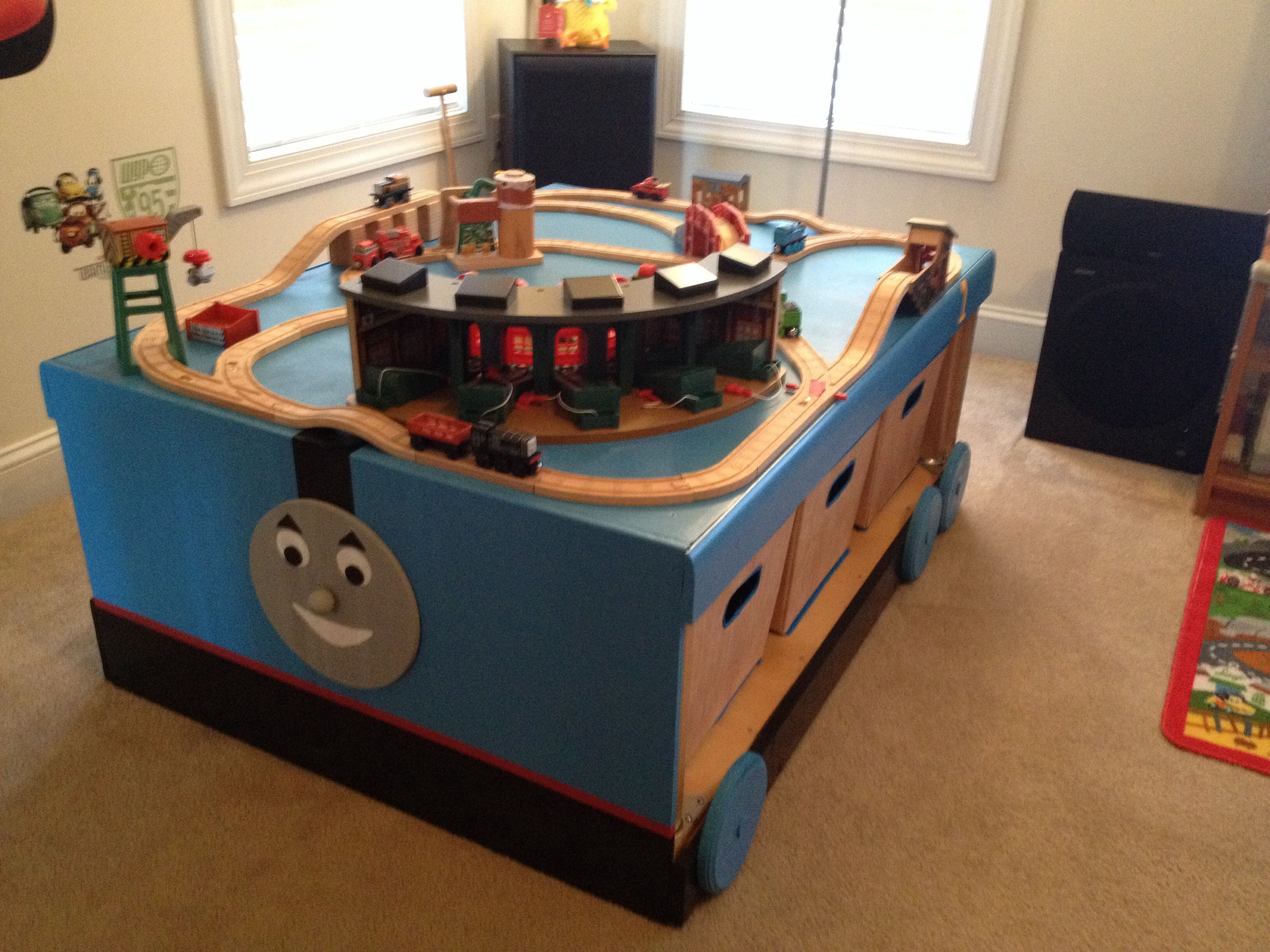 Thomas the Train table | Mommy stuff | Pinterest | Train table and Room