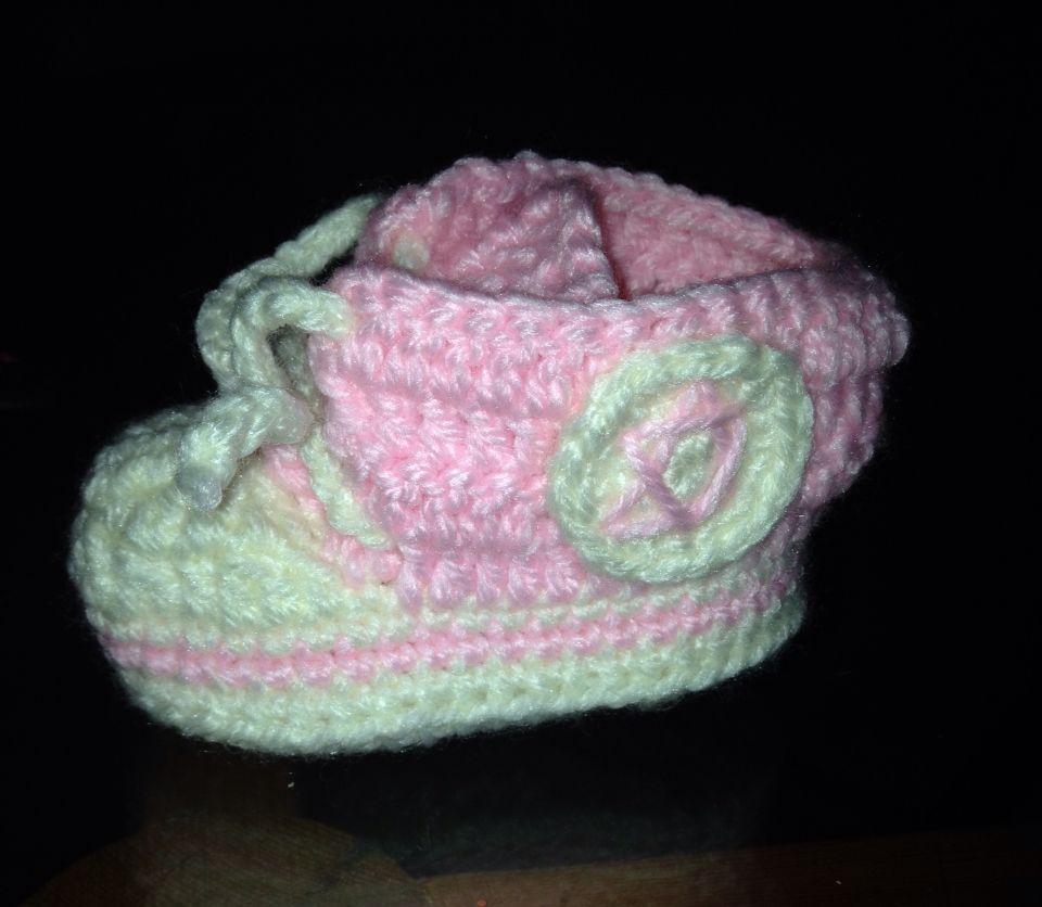 Converse Bebe patron de www.lanasyovillos.com | Mis trabajos Crochet ...