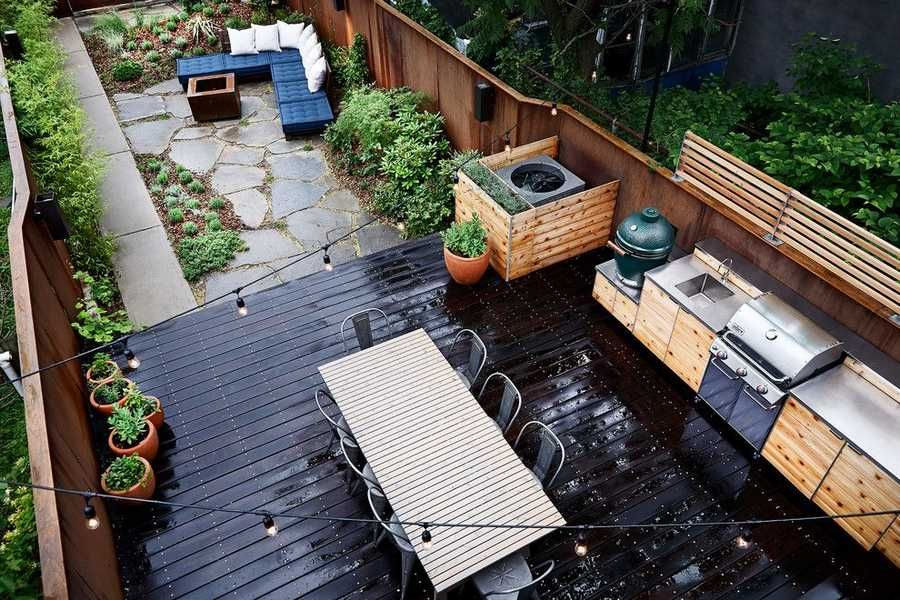 30 Stunning Deck Designs To Inspire Your Patios Modern Outdoor Kitchen Outdoor Kitchen Design Outdoor Patio Table