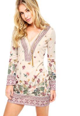 835f216d7 Vestido Curto Colcci Floral Bege, com estampa em floral, decote em V e  mangas longas.Confeccionado em tecido plano 100% Viscose.