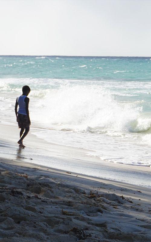 Las playas de #Nassau (#Bahamas), los mejores restaurantes, hoteles y todo lo que no debes perderte en nuestro post sobre la capital de las islas en www.espressofiorentino.com En la foto, Love Beach!
