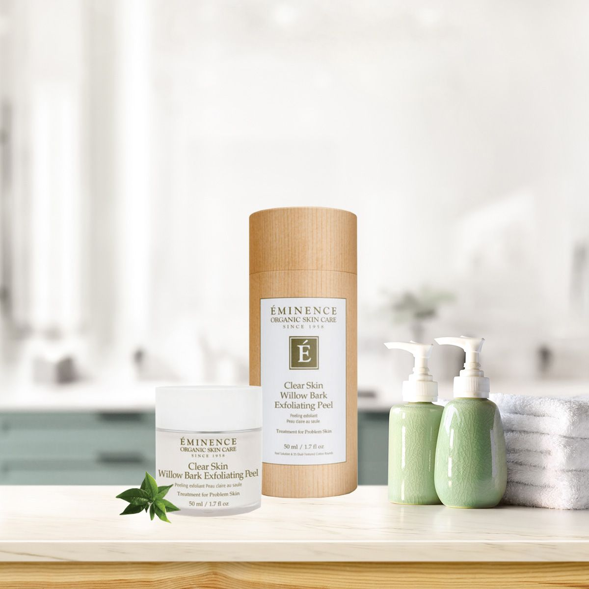 Eminence Clear Skin Willow Bark Exfoliating Peel 50ml In 2020 Exfoliating Peel Clear Skin Exfoliating