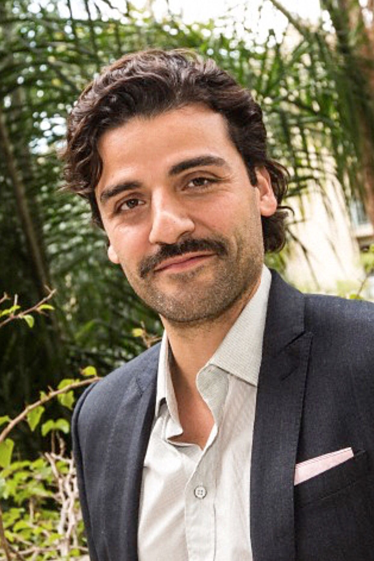 "Oscar Isaac at press conference for ""A Most Violent Year"" at the Four Seasons Hotel in Beverly Hills, CA (November 18, 2014)"