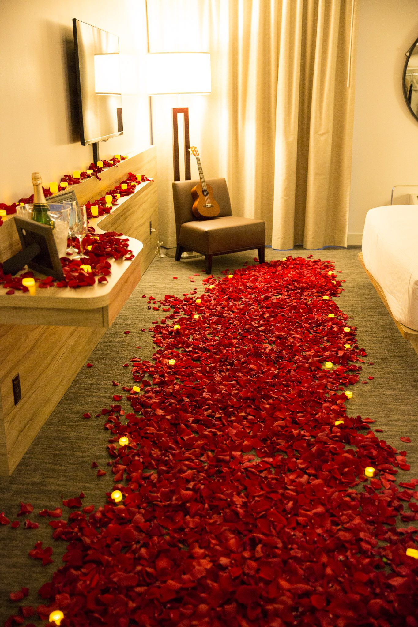 How To Decorate A Hotel Room For Boyfriend Birthday With Images Romantic Room Decoration Birthday Surprise Boyfriend Romantic Room Surprise