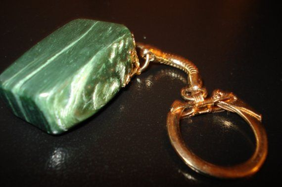 GOLDTONE VINTAGE JADE KEYCHAIN by thejewelrydream on Etsy, $19.99