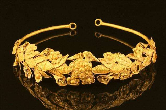 Incredibly rare 2,300-year-old Ancient Greek gold crown was kept for