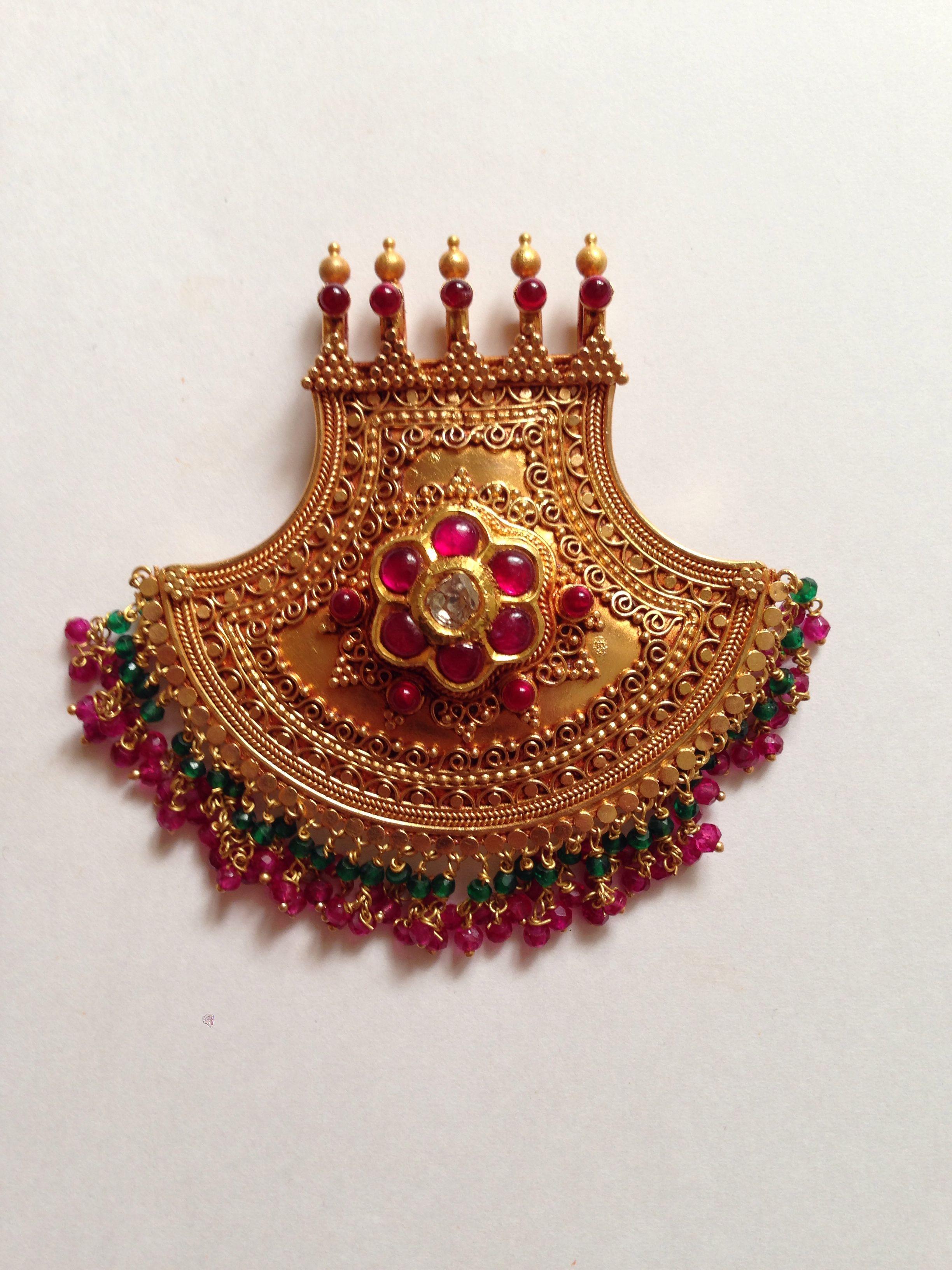 Antique pendant goldjewellery n art pieces pinterest