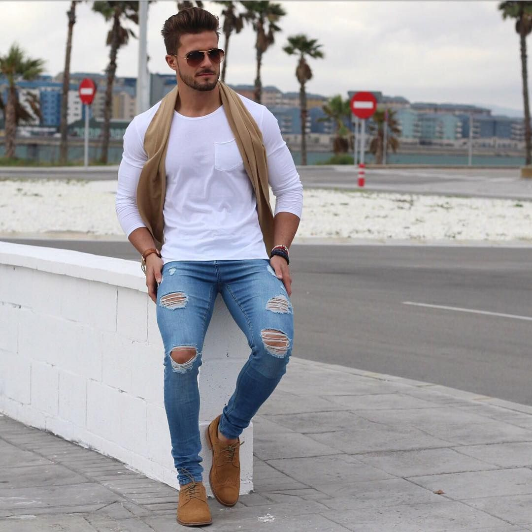 light blue ripped skinny jeans outfit � super jeans in