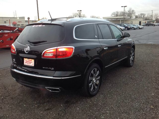 A Great Vehicle And A Great Value Comfort And Convenience Were Prioritized Within Evidenced By Amenities Such As A Power Rear Ca Buick Enclave Buick Enclave