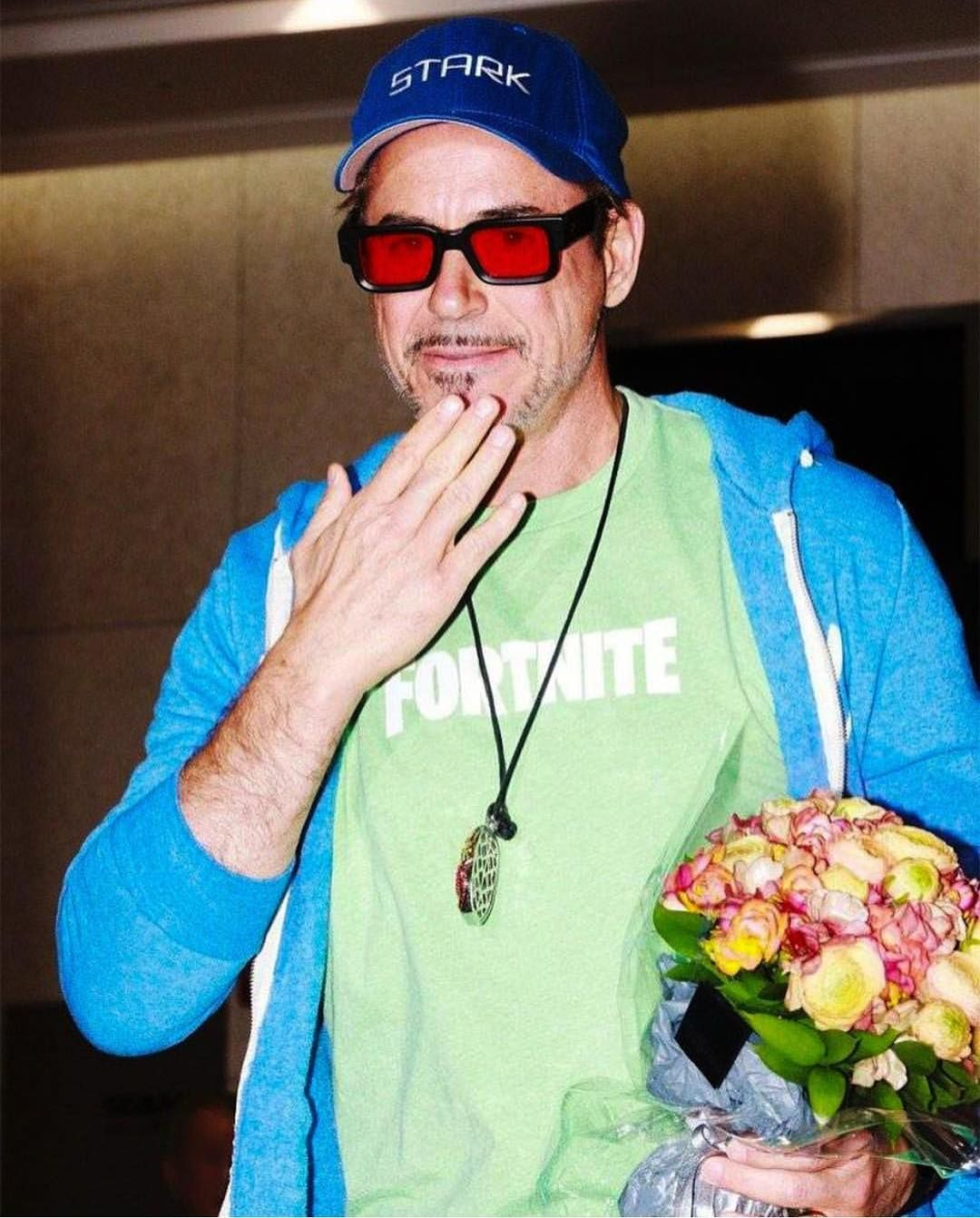 New Robert In Seoul Cant Believe Hes Wearing A Fortnite Shirt Creds Robertdorkneyjr New Robert In Seoul Fortnite Robert Downey Jr Funny Robert Downey Jr