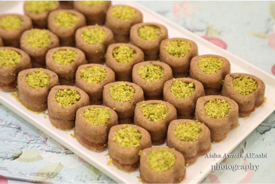 طريقة عمل الرنجينه الاماراتية بالتمر و الفستق Food Breakfast Muffin