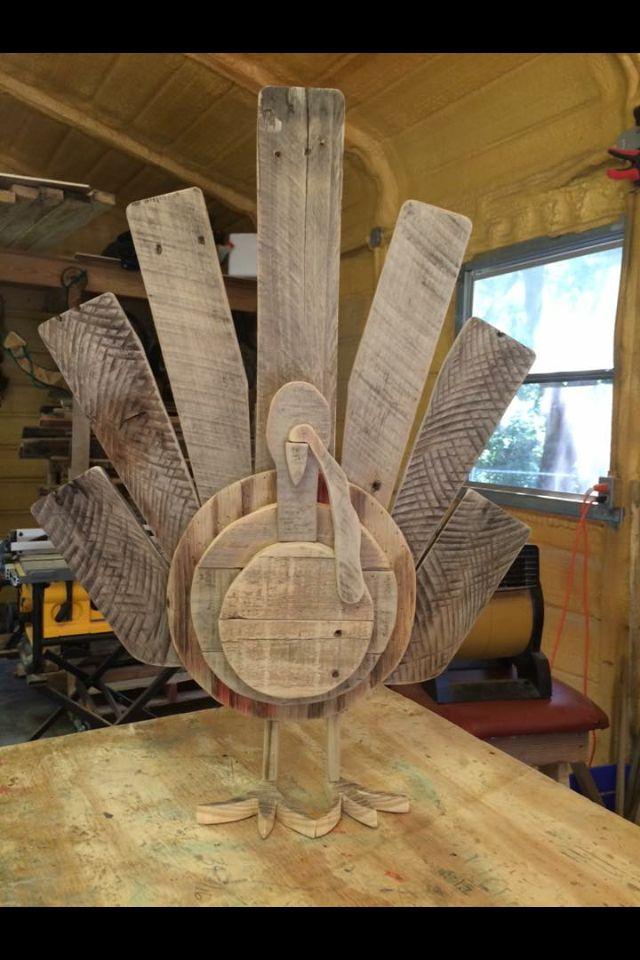 Reclaimed barn wood thanksgiving turkey yard art