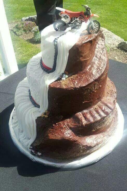 Track cake | cake ideas | Pinterest | Wedding, Weddings and Wedding ...