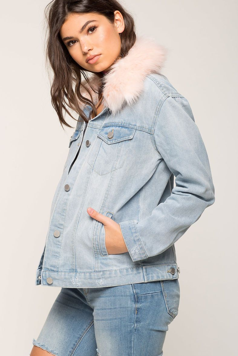 Light Wash Denim Jacket With Pink Fur Collar Girly Thinks