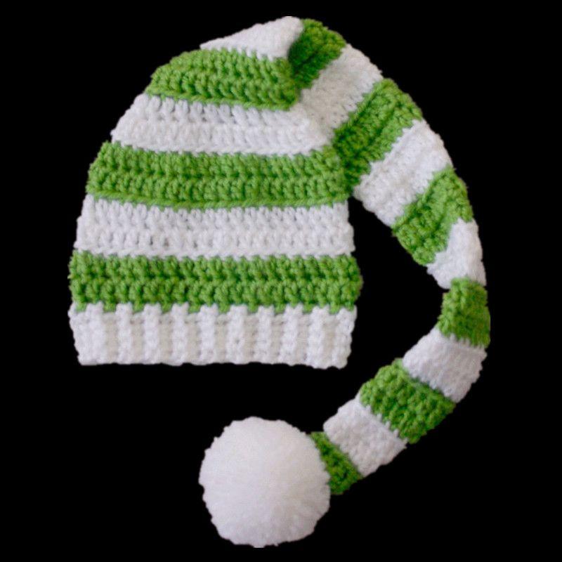 Verde y negro a rayas PomPom hat, hechos a mano de punto de ...