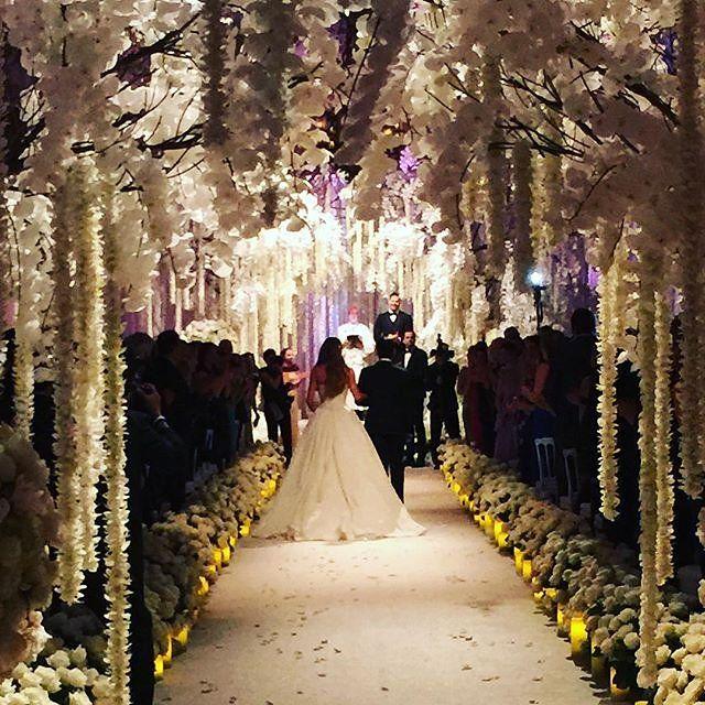 Inside Sofia Vergara S Wedding To Joe Manganiello Sofia Vergara Wedding Sofia Vergara Wedding Dress Sofia Vergara