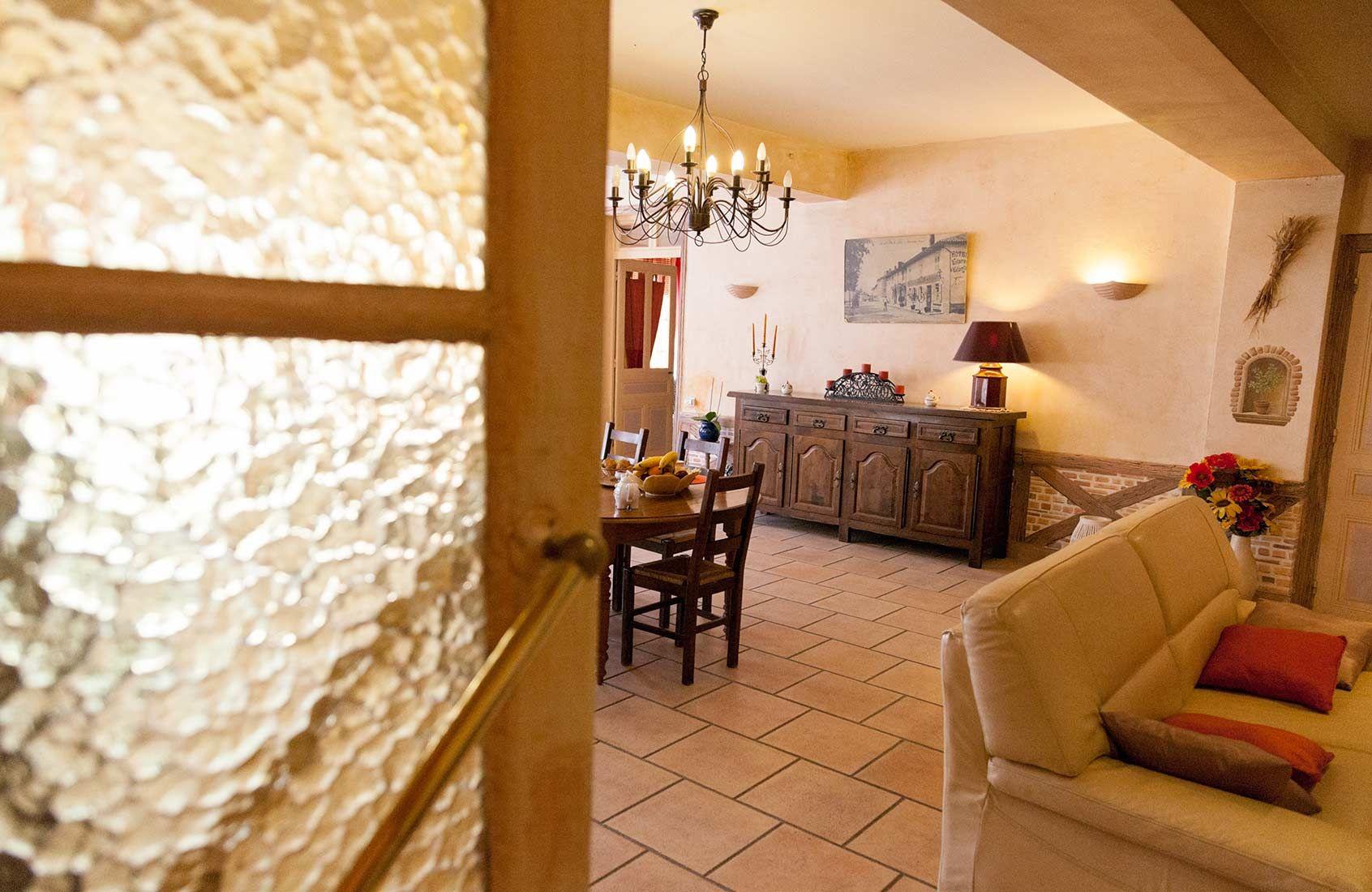 Chambres D Hotes Table D Hotes Labelisees Gites De France A Marlieux Ain 01 Au Coeur De La Dombe Tout Pres Du Celebre Par Gite De France Gite Table D Hote