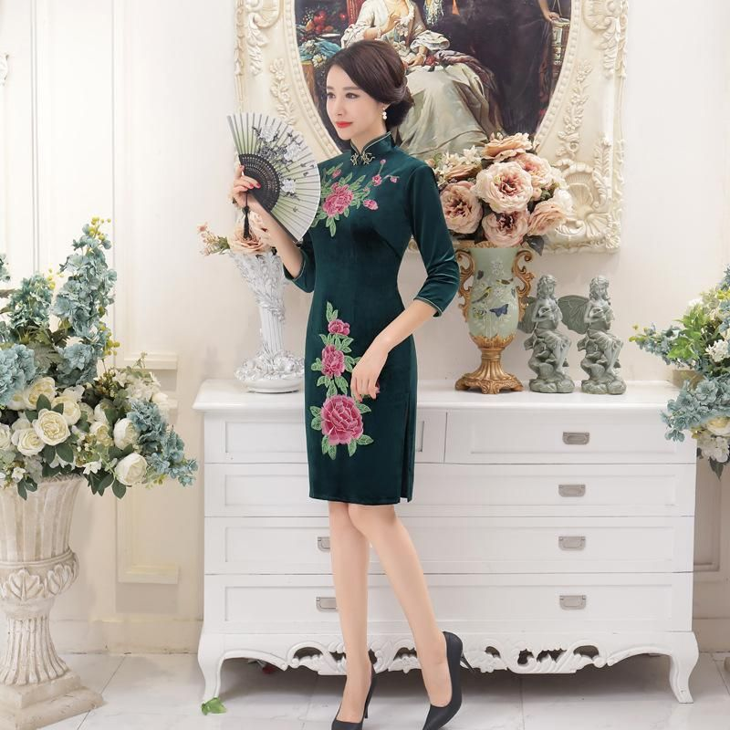 Flower · New Green Fashion Women s Velour Cheongsam Chinese Traditional  Embroidered Qipao Sexy Flower Dress ... eb91a72d7a17