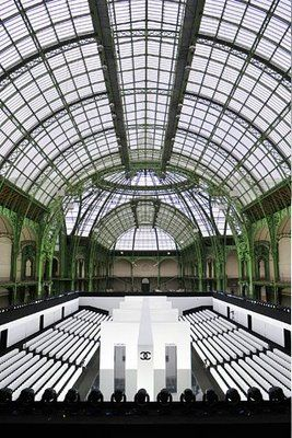 Chanel Paris Fashion Show Set Fashion Runway Show Stage Design Fashion Show