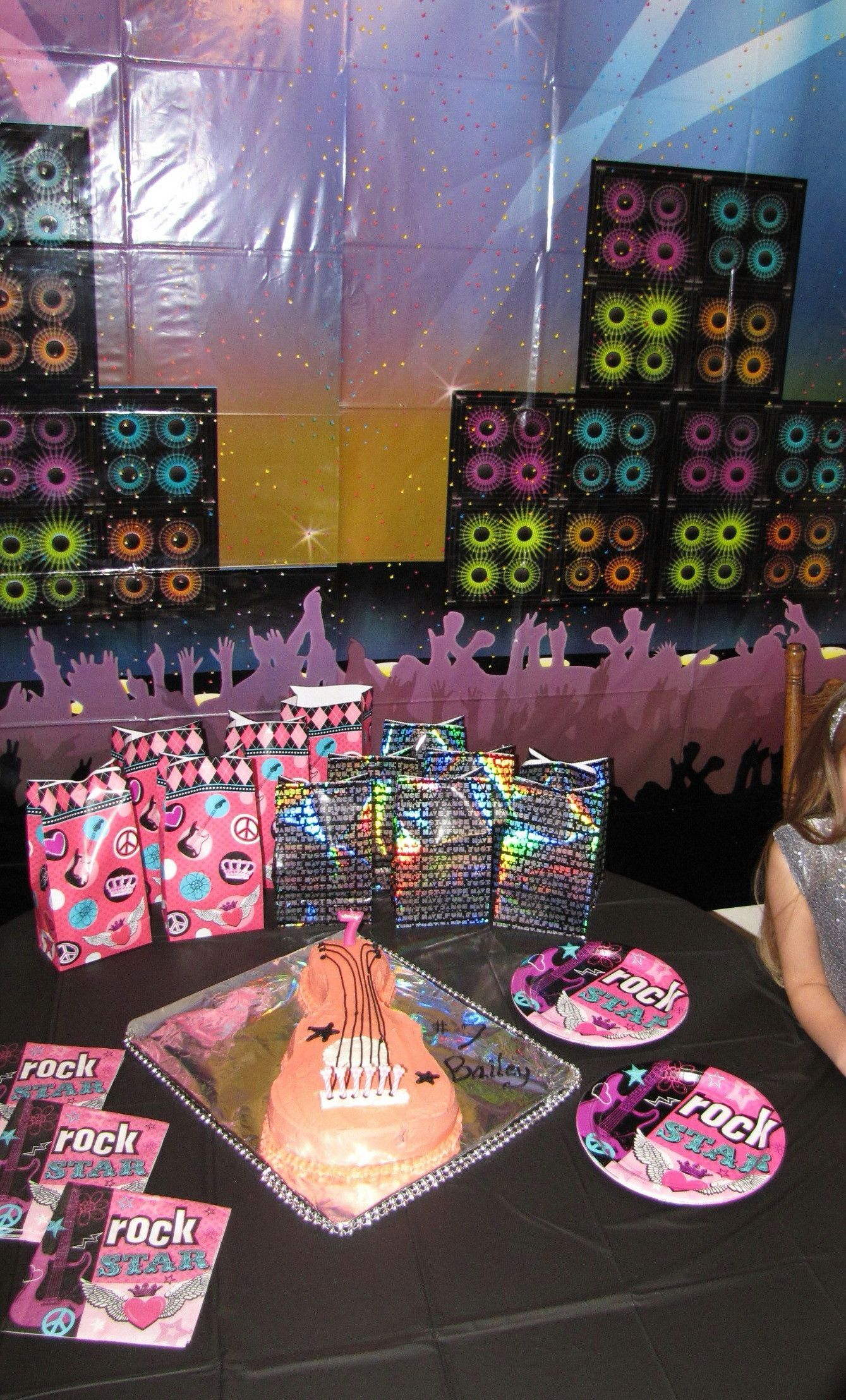 Bday party ideas & Girl Rock Star Party | Birthday Cakes and Cupcakes Iu0027ve attempted ...