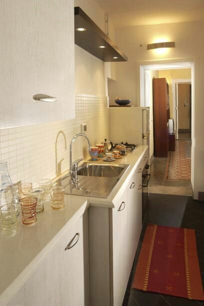 cocina estrecha cocinas pasillo pinterest cocina