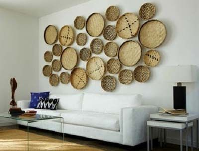 ideas para decorar la pared de tu casa cestas estilo corchos o de mimbre - Decoracion Paredes