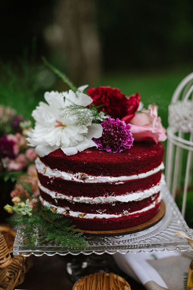 A Crowd Pleasing Trend: The Red Velvet Wedding Cake