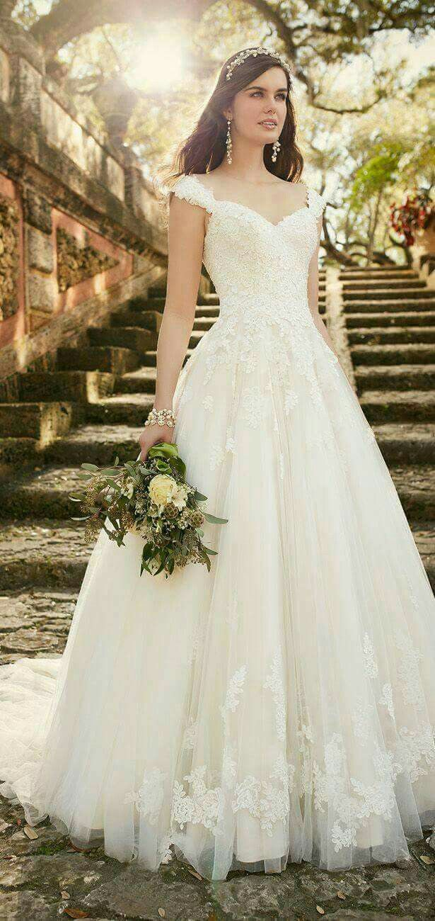 8b6ef5e8e60c Essense of Australia Spring 2016 Bridal Collection - Belle The Magazine