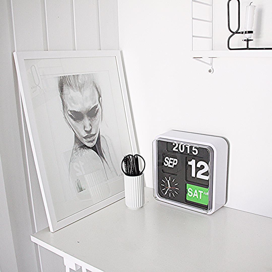 Karlsson Flip Clock