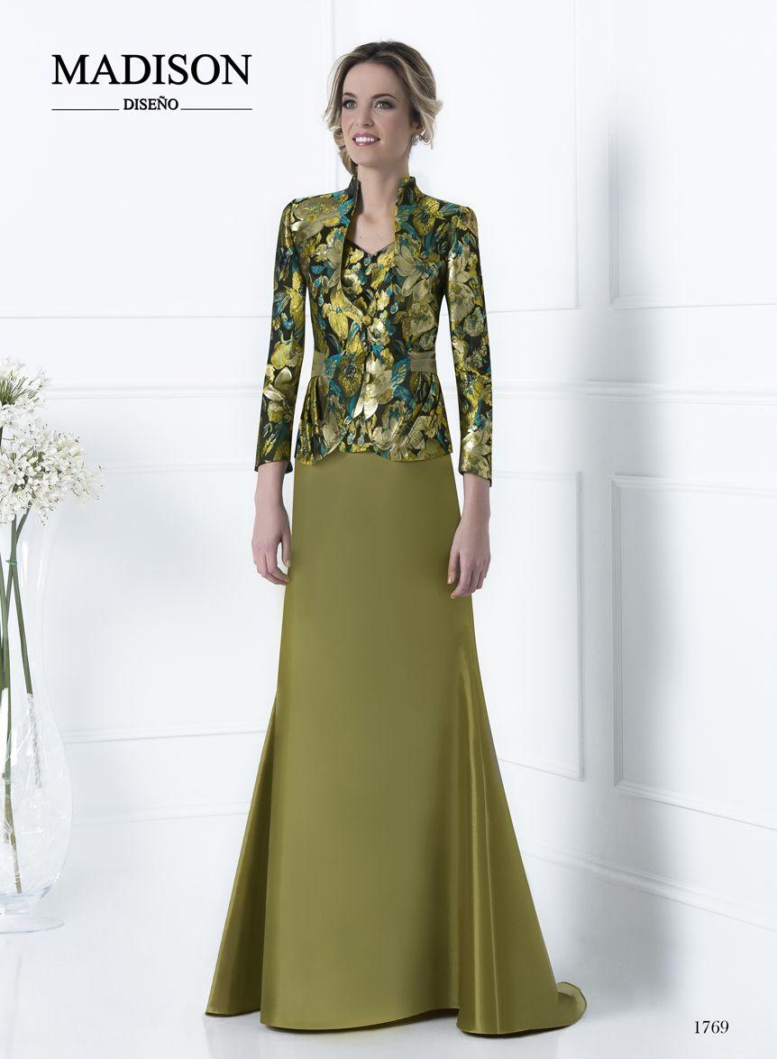 3661bb8f0 vestido de fiesta largo con chaqueta color verde