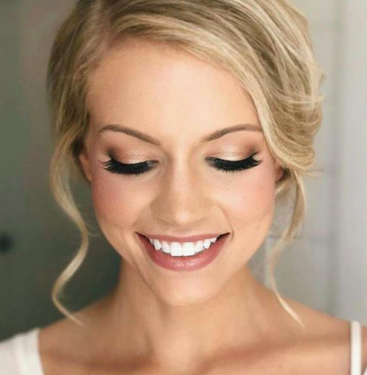 Pin Von Agi Mester Auf Wedding Make Up Braut Brautjungfer Haare Hochzeit Make Up
